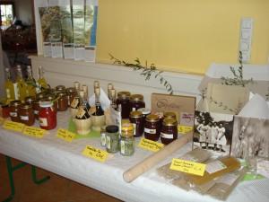 Selbstgemachte Feigen-Marmelade, Limoncello, Vino Cotto etc. gab es zum Kosten.