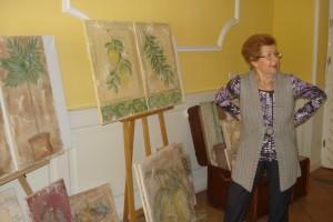 Blickfang: Fresko-Bilder von Karin Hoyler, hier mit meiner Mama Ursula Rauch, die an der Kasse saß.
