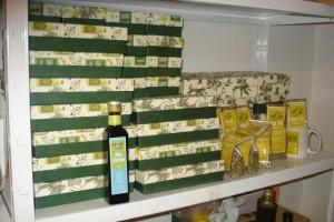 40 Geschenkschachteln - versandbereit mit 250 ml Olivenöl und 250 ml Aceto Balsamico als Firmen-Kundengeschenk