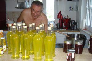 Sonnengelbe Sommerverführung: unser Limoncello aus eigenen Bio-Zitronen!
