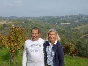 Tiziano und Heidi glücklich nach der Olivenernte