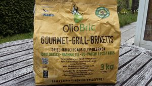 Gourmet-Grill-Briketts aus Olivenkernen - ökologisch und nachhaltig