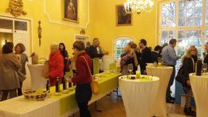 Der Rittersaal im Erdinger Schloss Aufhausen bietet ein wunderbares Ambiente für unser Olivenöl-Erntedankfest.