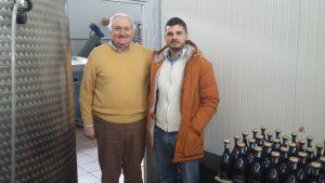 Vom Papst-Gardist zum Olivenbauern: Giuliano Berloni mit seinem Sohn Alessandro