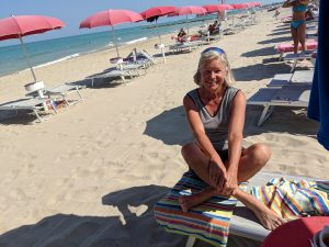 Erholungspause am Strand von Grottammare