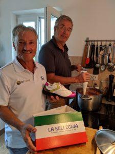Schuhmodellist Enrico Bellegia schaut in Michaels Marmeladen-Küche vorbei.